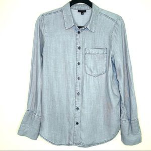 Who What Wear Chambray Button Up Shirt Size Small